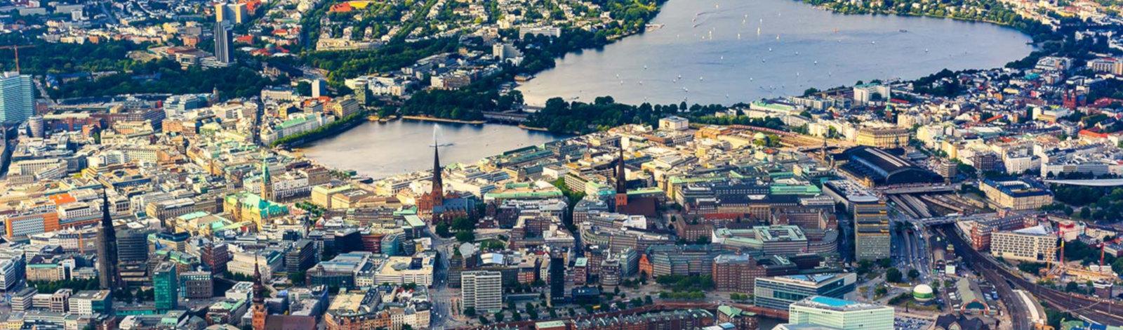Luftaufnahme Hamburg Zentrum, Binnenalster, Außenalster | Delphos Technische Kriminalprävention - Alarmsysteme, Alarmanlagen, Einbruchmeldeanlagen, Notfallzentrale