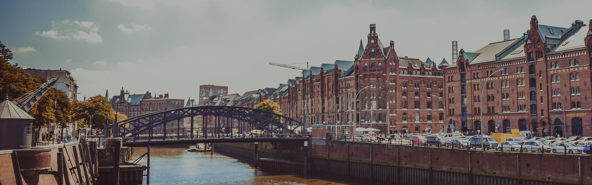 Hamburger Speicherstadt im Bereich Miniaturwunderland Hamburg | Delphos Technische Kriminalprävention